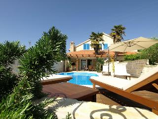 3 bedroom Villa in Ugljan Preko, North Dalmatia Islands, Croatia : ref 2235428 - Sutomiscica vacation rentals