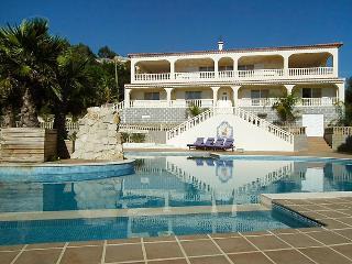 5 bedroom Villa in Monchique, Algarve, Portugal : ref 2235753 - Barracao vacation rentals