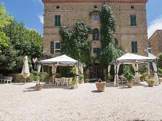 8 bedroom Villa in Perugia, Umbria, Italy : ref 2243223 - Castello delle Forme vacation rentals