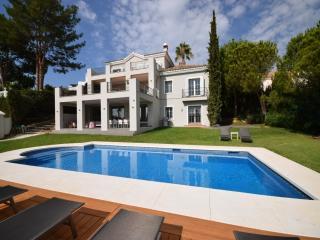 5 bedroom Villa in Golf Valley, Nueva Andalucia, Spain : ref 2245807 - Nueva Andalucia vacation rentals