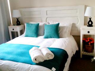 A1  Nice ,cozy, up to 5  2BD , views , subway , - Santiago vacation rentals