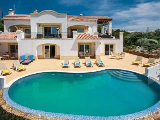 Perfect Villa with Internet Access and A/C - Mexilhoeira Grande vacation rentals