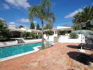 7 bedroom Villa in Lagos, Algarve, Portugal : ref 2249217 - Lagos vacation rentals
