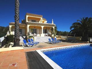 5 bedroom Villa in Loule, Algarve, Portugal : ref 2249223 - Santa Barbara de Nexe vacation rentals