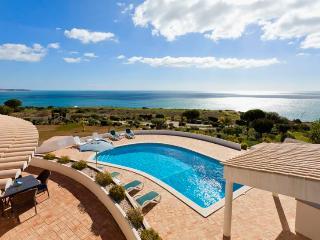 5 bedroom Villa in Praia Da Luz, Algarve, Portugal : ref 2249233 - Luz vacation rentals