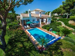 4 bedroom Villa in Quinta do Lago, Algarve, Portugal : ref 2249247 - Quinta do Lago vacation rentals