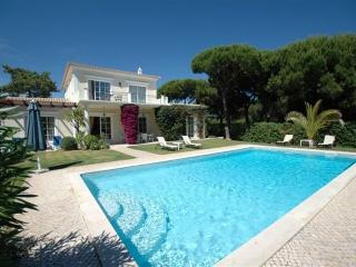 3 bedroom Villa in Quinta do Lago, Algarve, Portugal : ref 2249256 - Vale do Garrao vacation rentals