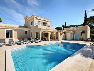 4 bedroom Villa in Vale Do Lobo, Algarve, Portugal : ref 2249270 - Vale do Garrao vacation rentals
