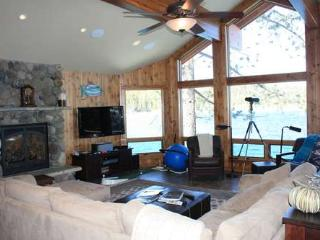 3 bedroom House with Deck in Tahoma - Tahoma vacation rentals