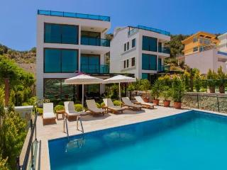 5 bedroom Villa in Kalkan, Mediterranean Coast, Turkey : ref 2249344 - Unye vacation rentals