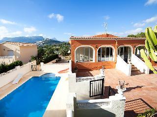 8 bedroom Villa in Calpe/Calp, Costa Blanca, Spain : ref 2250419 - Calpe vacation rentals
