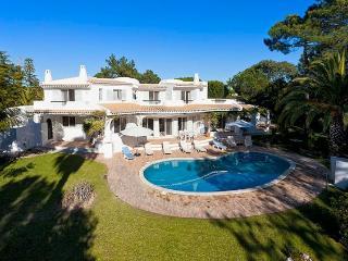 5 bedroom Villa in Quinta Do Lago, Algarve, Portugal : ref 2252128 - Vale do Garrao vacation rentals