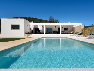 3 bedroom Villa in Santa Gertrudis, Ibiza, Ibiza : ref 2252133 - Santa Gertrudis vacation rentals