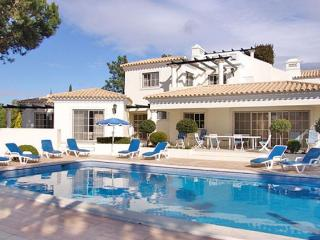 6 bedroom Villa in Quinta Do Lago, Algarve, Portugal : ref 2252129 - Quinta do Lago vacation rentals