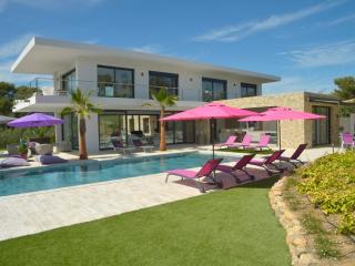 4 bedroom Villa in Grimaud, Cote d'Azur, France : ref 2255455 - Grimaud vacation rentals