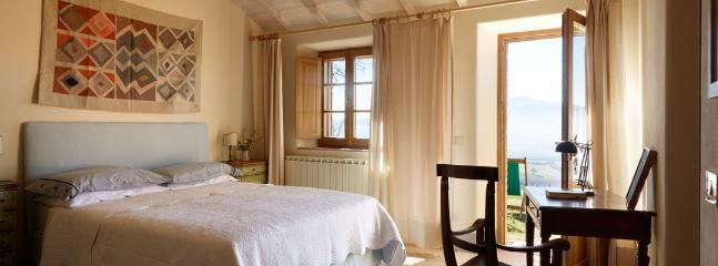 3 bedroom Villa in Chianciano Terme, Siena, Italy : ref 2259022 - Image 1 - Chianciano Terme - rentals