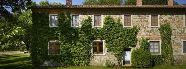 7 bedroom Villa in Chianciano Terme, Siena, Italy : ref 2259026 - Image 1 - Chianciano Terme - rentals