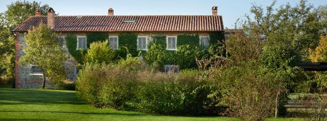 5 bedroom Villa in Chianciano Terme, Siena, Italy : ref 2259032 - Image 1 - Chianciano Terme - rentals