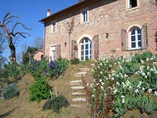 4 bedroom Villa in Montopoli, Pisa, Italy : ref 2259043 - Montopoli in Val d'Arno vacation rentals