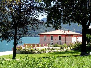 8 bedroom Villa in Menaggio, Near Menaggio, Lake Como, Italy : ref 2259101 - Menaggio vacation rentals