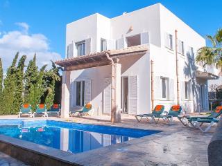 Villa in Cala D Or Centre, Cala D Or, Mallorca - Cala d'Or vacation rentals