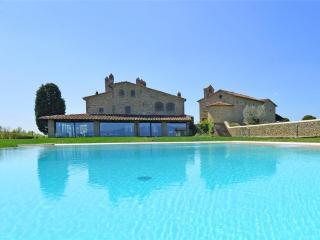 Villa in Arezzo, Tuscany, Italy - Pieve al Bagnoro vacation rentals