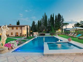 6 bedroom Villa with Internet Access in Le Piazze - Le Piazze vacation rentals