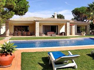 5 bedroom Villa in Vilamoura, Algarve, Portugal : ref 2265929 - Quarteira vacation rentals