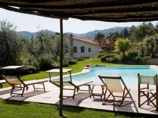 7 bedroom Villa in Pistoia, Tuscany, Italy : ref 2265935 - Pistoia vacation rentals