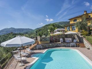3 bedroom Villa in Monsummano Terme, Tuscany, Italy : ref 2266002 - Cantagrillo vacation rentals