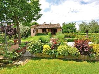 4 bedroom Villa in Monte San Savino, Tuscany, Italy : ref 2266017 - Torricella di Monte San Savino vacation rentals