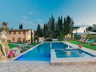 Beautiful Villa with Internet Access and Television - Le Piazze vacation rentals