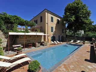 5 bedroom Villa in Peccioli, Tuscany, Italy : ref 2266069 - Fabbrica di Peccioli vacation rentals