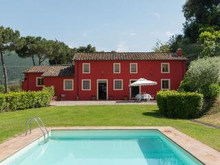 4 bedroom Villa in Vorno, Tuscany, Italy : ref 2266075 - Vorno vacation rentals