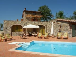 4 bedroom Villa in Gaiole In Chianti, Tuscany, Italy : ref 2266083 - Gaiole in Chianti vacation rentals