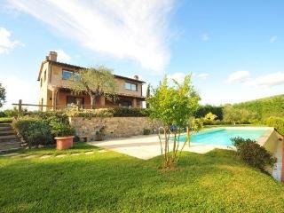 3 bedroom Villa in Certaldo, Tuscany, Italy : ref 2266232 - Certaldo vacation rentals