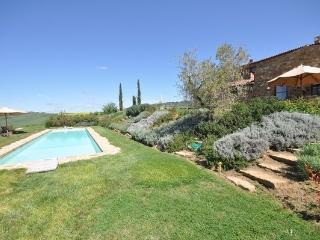 6 bedroom Villa in Pienza, Tuscany, Italy : ref 2266246 - Pienza vacation rentals