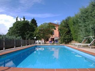 4 bedroom Villa in Camaiore, Tuscany, Italy : ref 2268244 - Camaiore vacation rentals