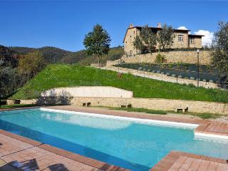 6 bedroom Villa in Castiglion Fiorentino, Tuscany, Italy : ref 2268967 - Pieve di Chio vacation rentals