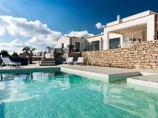 4 bedroom Villa in Buseto Palizzolo, Sicily, Italy : ref 2269168 - Ballata vacation rentals