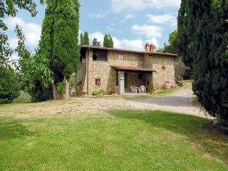 6 bedroom Villa in Terranuova Bracciolini, Tuscany, Italy : ref 2269844 - Terranuova Bracciolini vacation rentals