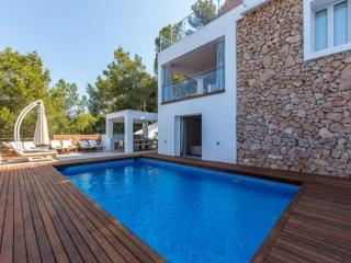 6 bedroom Villa in Cala Salada, Ibiza, Ibiza : ref 2272001 - Cala Gracio vacation rentals