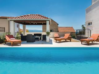 5 bedroom Villa in Omis, Omis, Croatia : ref 2278879 - Stanici vacation rentals