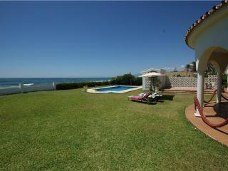 3 bedroom Villa in Marbella, Costa del Sol, Marbella, Spain : ref 2283061 - Artola vacation rentals