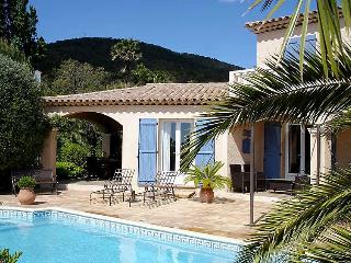 3 bedroom Villa in Sainte Maxime, Cote d Azur, France : ref 2284748 - Saint-Maxime vacation rentals