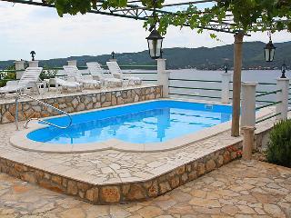 4 bedroom Villa in Orebic Viganj, South Dalmatia, Croatia : ref 2284685 - Viganj vacation rentals