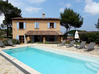 4 bedroom Villa in Saint Tropez, Cote d Azur, France : ref 2284792 - Port Cogolin vacation rentals