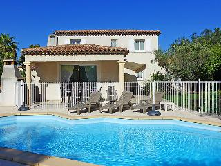 4 bedroom Villa in Saint Cyr Les Lecques, Cote d Azur, France : ref 2284899 - Saint Cyr sur mer vacation rentals