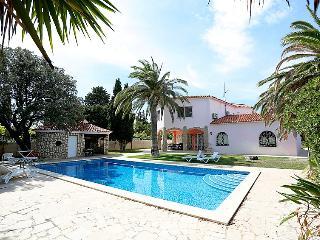4 bedroom Villa in Miami Platja, Costa Daurada, Spain : ref 2285040 - Miami Platja vacation rentals