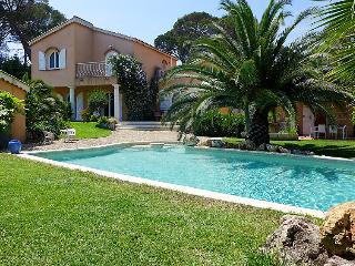 Spacious 4 bedroom Saint-Aygulf Villa with Internet Access - Saint-Aygulf vacation rentals